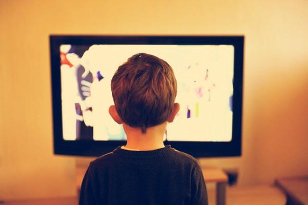 kid in front of tv2
