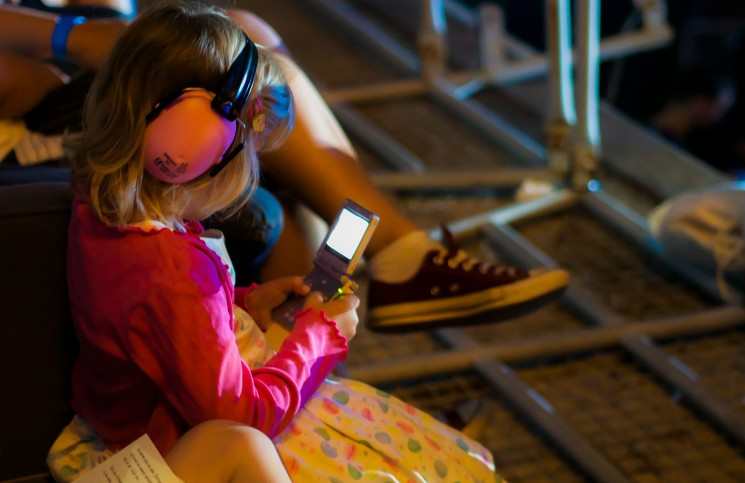 video games, #GamerGate, handheld, young girl