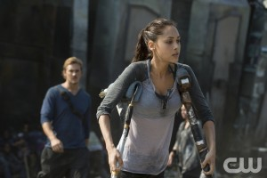 "The 100 -- ""Many Happy Returns"" -- Image: HU204b_0207-- Pictured (L-R): Steve Talley as Wick and Lindsey Morgan as Raven -- Photo: Cate Cameron/The CW -- © 2014 The CW Network, LLC. All Rights Reserved"
