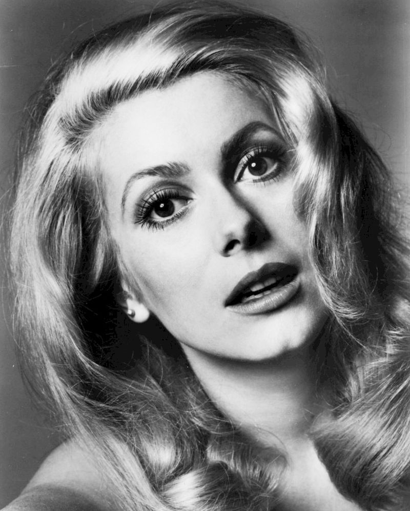 Catherine Deneuve Nude Photos 30