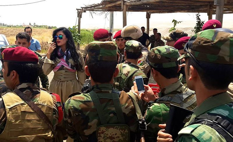 Helly_Luv_Visits_Peshmerga_troops