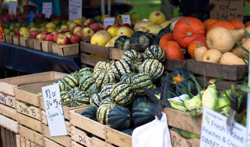 farmers-market-1213097_1280